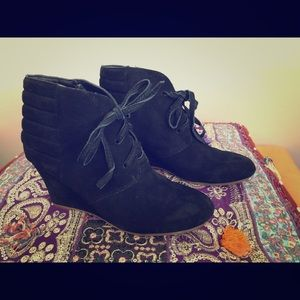 Dolce vita black suede wedge boots